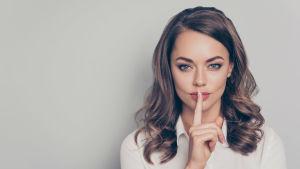 5 фраз, які не варто говорити друзям, які втратили роботу