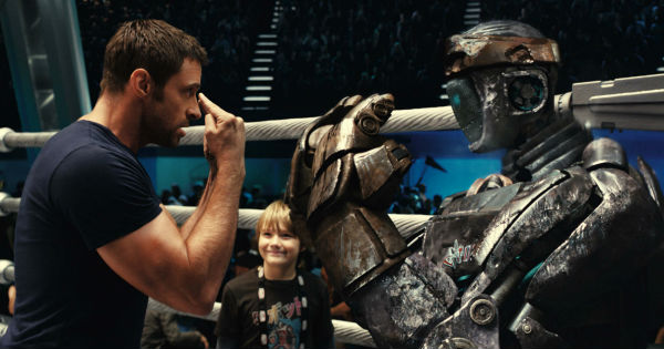 Кадр из фильма «Живая сталь», реж. Шон Леви, 2011 г.