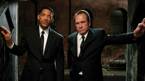 Кадр з фільму «Люди в чорнму 3», реж. Барри Зонненфельд, 2012 р.