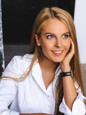 Стилист вакансии киев работа 17 лет девушке