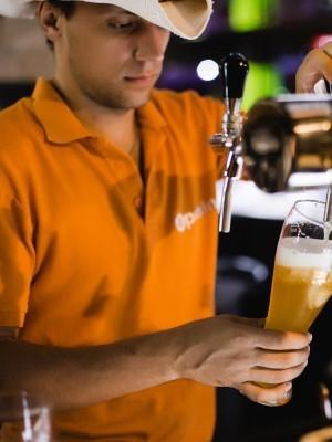 соседку) проживать работа в крыму барменом очень